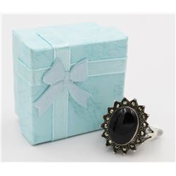 BEAUTIFUL THAILAND RING W/ ONYX AND GUN METAL BEAUITFUL THAILAND RING W/ ONYX AND GUN MENTAL COLORED
