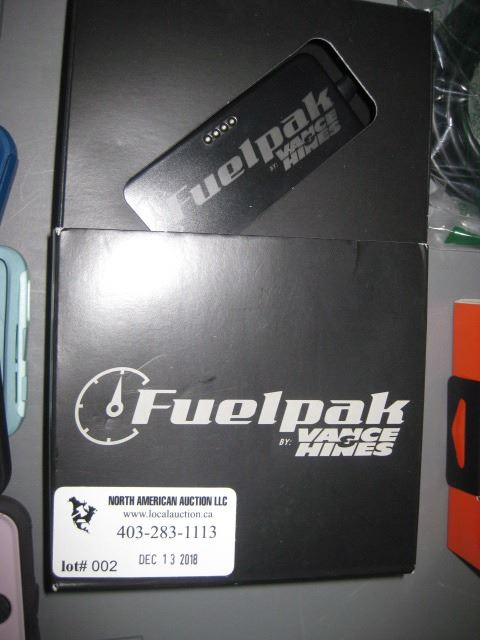 Vance and Hines Fuelpak 66005 Autotuner for Select 2011-18