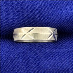 Woman's White Gold Wedding Band Ring in 14k White Gold