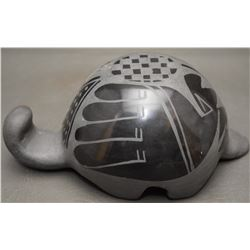 SAN ILDEFONSO INDIAN POTTERY TURTLE (CARMELITA DUNLAP)