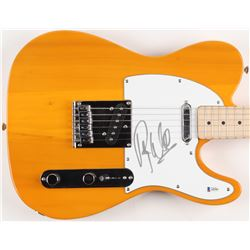 Roger Waters Signed Full-Size Fender Electric Guitar (Beckett Hologram)