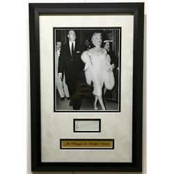 Joe DiMaggio Signed 13.5x19.5 Custom Framed Cut Display (JSA LOA)