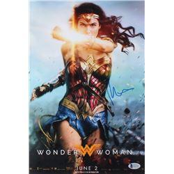 "Patty Jenkins Signed ""Wonder Woman"" 10x15 Photo (Beckett Hologram)"