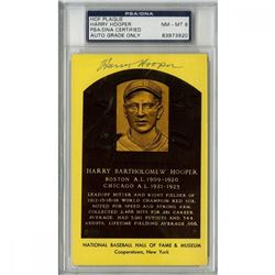 Harry Hooper Signed Gold Hall Of Fame Postcard (PSA Encapsulated - Autograph Graded 8)