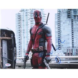 "Ryan Reynolds Signed ""Deadpool"" 11x14 Photo (PSA COA)"