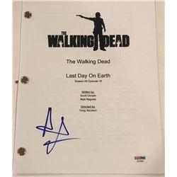 """Andrew Lincoln Signed """"The Walking Dead"""" Episode Full Script (PSA COA)"""