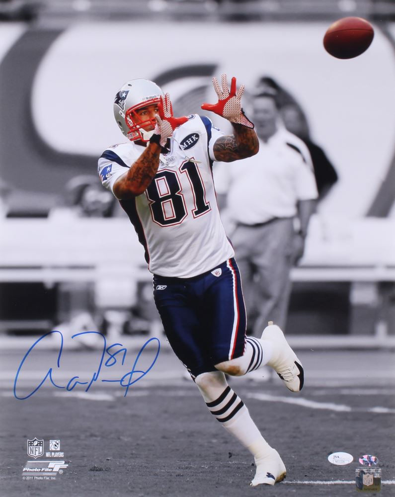 58bd19c11a7 Image 1 : Aaron Hernandez Signed Patriots 16x20 Photo (JSA COA Sure Shot  Promotions)
