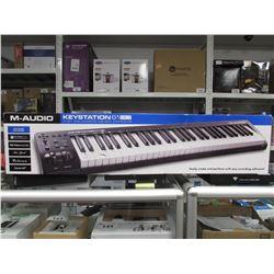 M-AUDIO KEYSTATION 61 MK3 61 KEY SEMI-WEIGHTED USB MIDI CONTROLLER