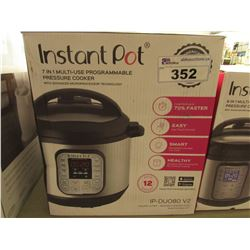 INSTANT POT 8 QUART 7-IN-1 MULTI USE PROGRAMMABLE PRESSURE COOKER