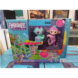 New Fingerlings Monkey Bar Play Set