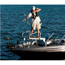 4 person - 4 Hours  of bow fishing on Friday Live Auction