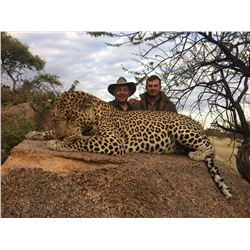 12 day leopard hunt in Namibia