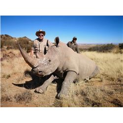 7 day White Rhino Darted hunt in south africa for 1 hunter and 1 observer