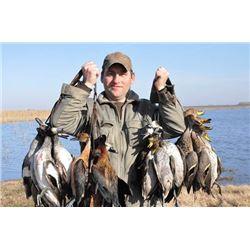 Argentina Duck, Dove, Perdiz for 2 hunters  for 4 days