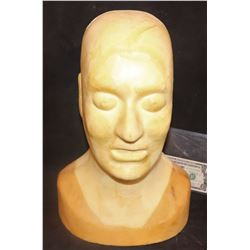 ZZ-CLEARANCE DISPLAY BUST WITH HUGE SCULPTED HEAD DESIGNED FOR OVERSIZED MASKS