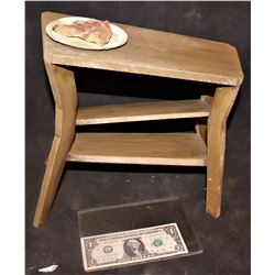 ZZ-CLEARANCE THE HOLE SCREEN USED MINIATURE WARPED TABLE WITH PIZZA