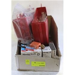 LOT OF PLASTIC SAFETY LOCKOUT DEVICES / PADLOCKS