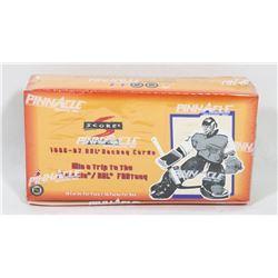 1996-97 SCORE HOCKEY FACTORY SEALED BOX, 10 CARDS