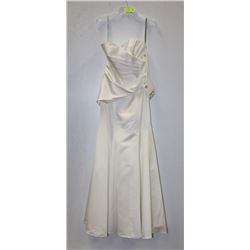 ALFRED ANGELO SIZE 8 OFF WHITE STRAPLESS CORSET