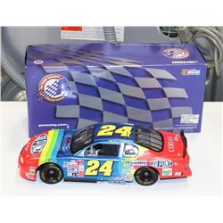 JEFF GORDON DUPONT LIMITED EDITION 1:18 ACTION