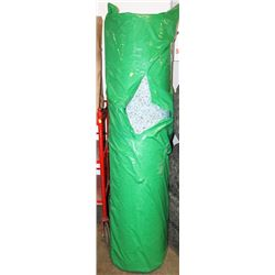 LARGE ROLL OF CARPET UNDERLAY