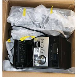 SONY BOOKSHELF RADIO/CD/IPOD DOCK MODEL CMT-FX300i
