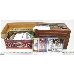 BOX OF ASSORTED BASEBALL AND HOCKEY CARDS