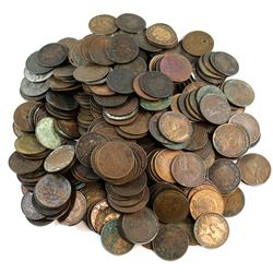 * Estate Lot Canada Large 1-cent Collection. You will receive 292 mixed date Canada Large 1-cent coi