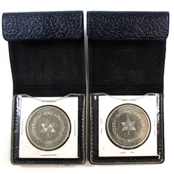 2x 1867-1967 Canada Commemorative Medallion in Leatherette Display (toned). 2pcs