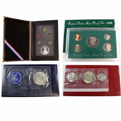 Lot of USA Coin Sets. You will receive 1971 Eisenhower Uncirculated Silver Dollar, 1976 Bicentennial