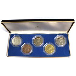 1966 The Franklin Mint Specimen Proof Set. This Set contains 5 Crown Size Coins featuring the portra
