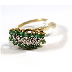 Ladies Cluster Ring (fashioned in 10 karat Yellow Gold with Rhodium plated settings, 2.6 g) contains