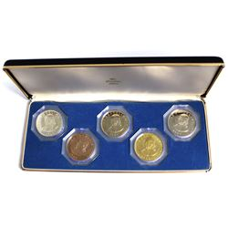 1966 The Franklin Mint Specimen Proof Set. This Set contains 5 Crown Size Coins containing the portr