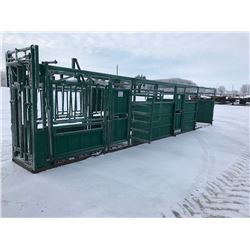 North Star Portable crowding tub, c/w hitch, axles, and jack. Manual squeeze, Unit is in very good c