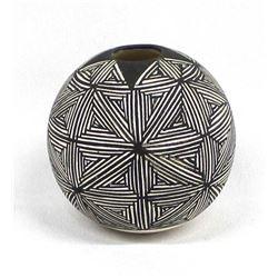 Acoma Eye Dazzler Pot