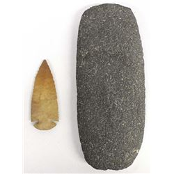 Contempory Arrowhead & Mano