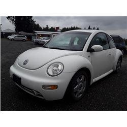 D3 --  2001 VW BEETLE , White , 283202  KM's
