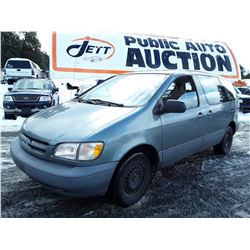 """A7 --  1998 TOYOTA SIENNA ,  , 261039  KM's   """"No Reserve - Selling to the Highest Bidder"""""""