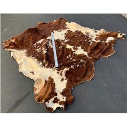 Cowhide , Wall or Floor Piece.   (61476)