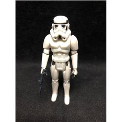 1970'S KENNER STAR WARS ACTION FIGURE IMPERIAL STORMTROOPER WITH AUTHENTIC WEAPON ( MINT)
