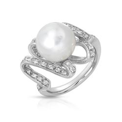 18KT White Gold 8.96ct Pearl and Diamond Ring