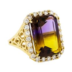 15.20 ctw Ametrine And Diamond Ring - 14KT Yellow Gold