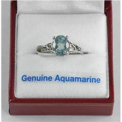 (BB25) Ladies 18kt Gold Fancy Ring, Oval Aquamarin