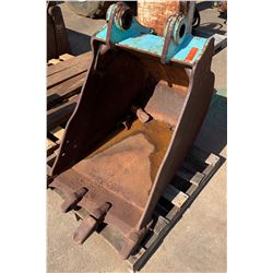 "CAT Excavator Bucket Attachment - 22"" Wide"