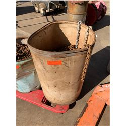 Bucket of Various Lengths of Chain, Approx. 600 Ft