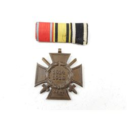 GERMAN WWI COMBATANT MEDAL WITH RIBBONS