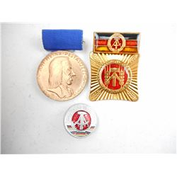 DDR/ EAST GERMAN MEDALS/PINS