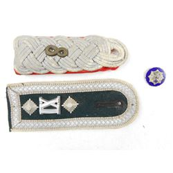 GERMAN WWII PIN & EPAULETTES