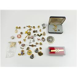 ASSORTED MILITARY PINS & ACCESSORIES