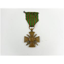 WWI FRENCH WAR CROSS MEDAL